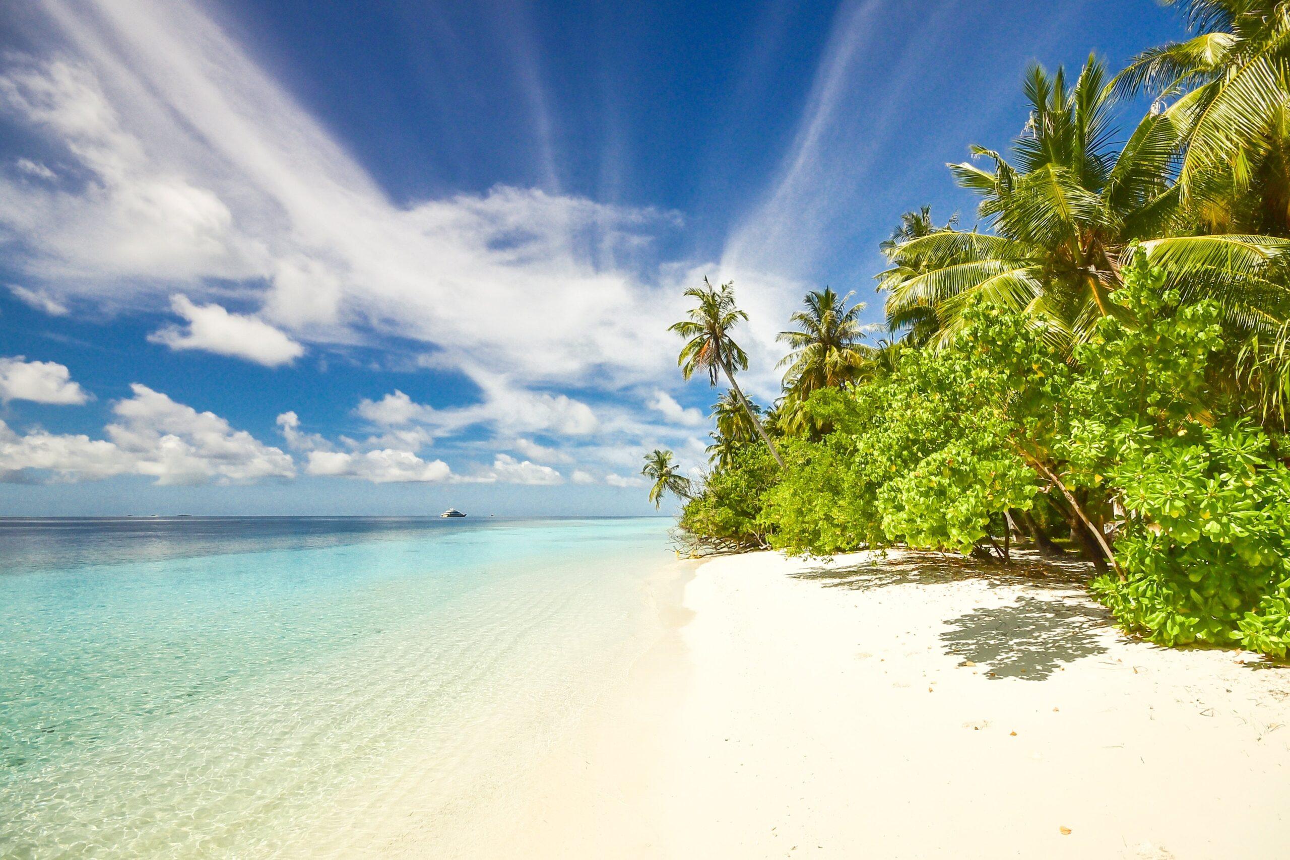青い空とビーチ