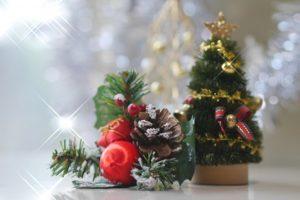 クリスマスツリーの置物