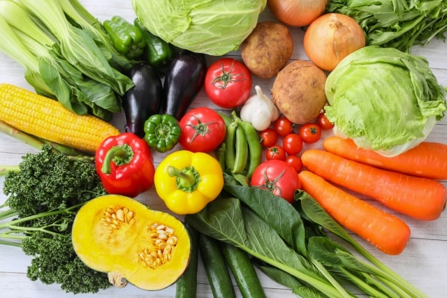 並べられた緑黄色野菜