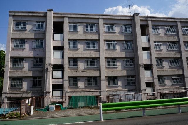 解体前のアパート